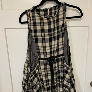Free People S/P Dress with pockets! Runs large